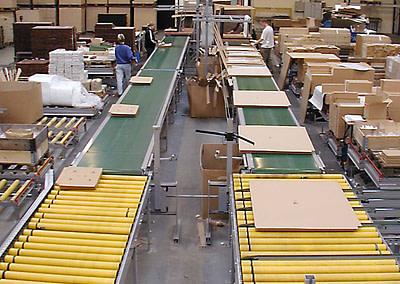 Pakkelinje i møbelindustrien