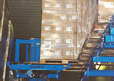 Indsættelse/udtag af paller med loader