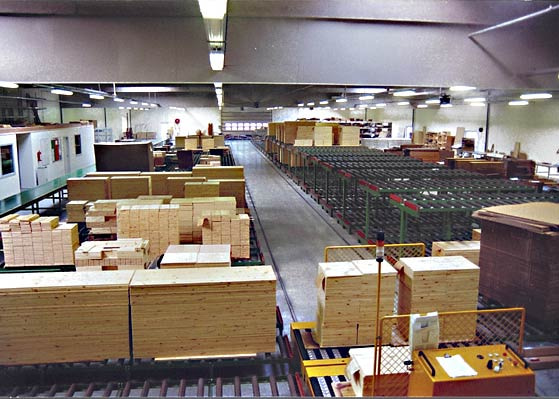 Udrevne baner i møbelproduktion / Non-driven conveyors in furniture factory