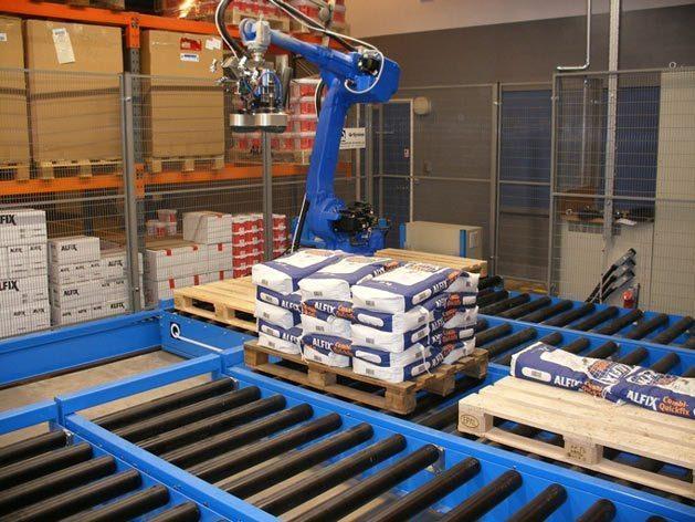 Ordrepick med robot på transfervogn / Order picking by robot on transfer cart