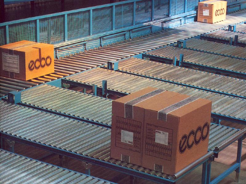 Drivna och odrivna rullbanor för paket och lättare ämnen